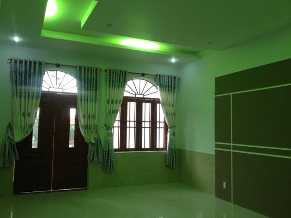 Phòng ngủ lầu 1- nhà trung tâm hành chính dĩ an.jpg