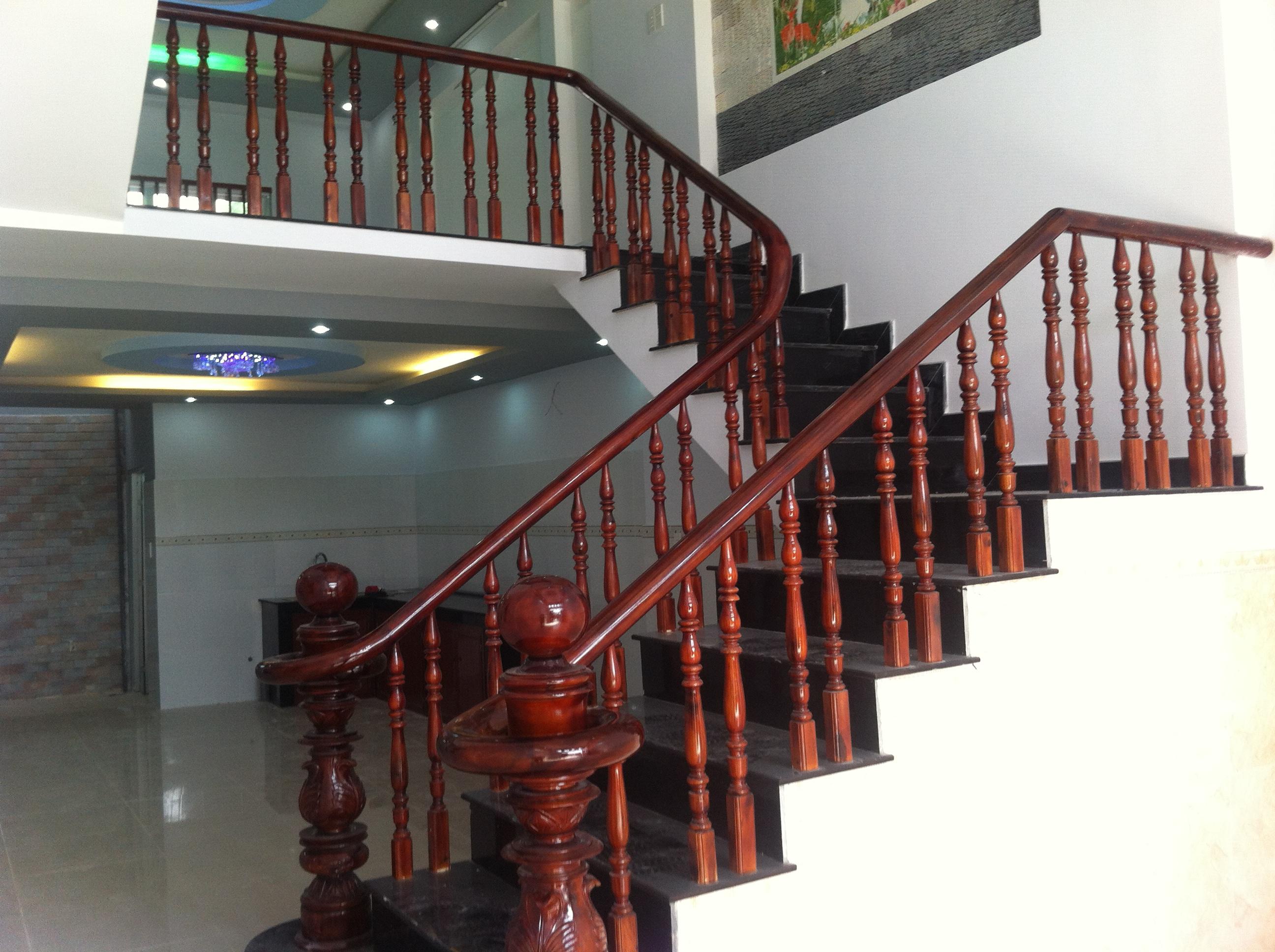 cầu thang nhà sổ riêng, mặt tiền buôn bán ở dĩ an