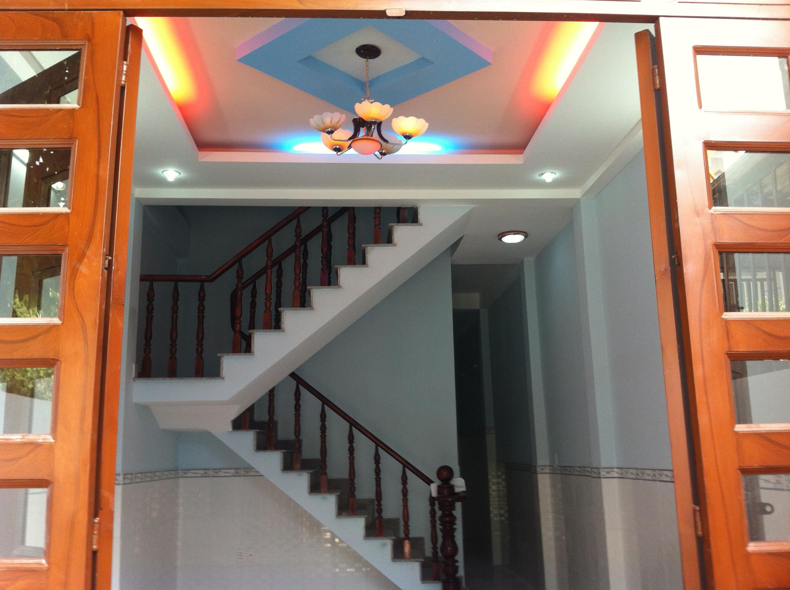 không gian bên trong nhà tại dĩ an trong khu dân cư đông, an ninh tốt