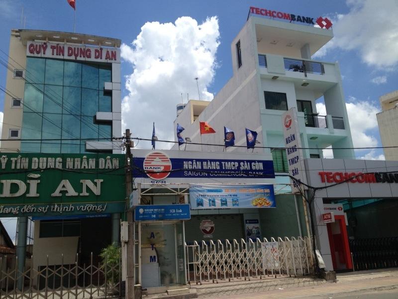 Nhà mặt tiền đường nhựa đối diện sân vận động dĩ an cần bán, nhà gần ngân hàng TMCP Sài Gòn.jpg