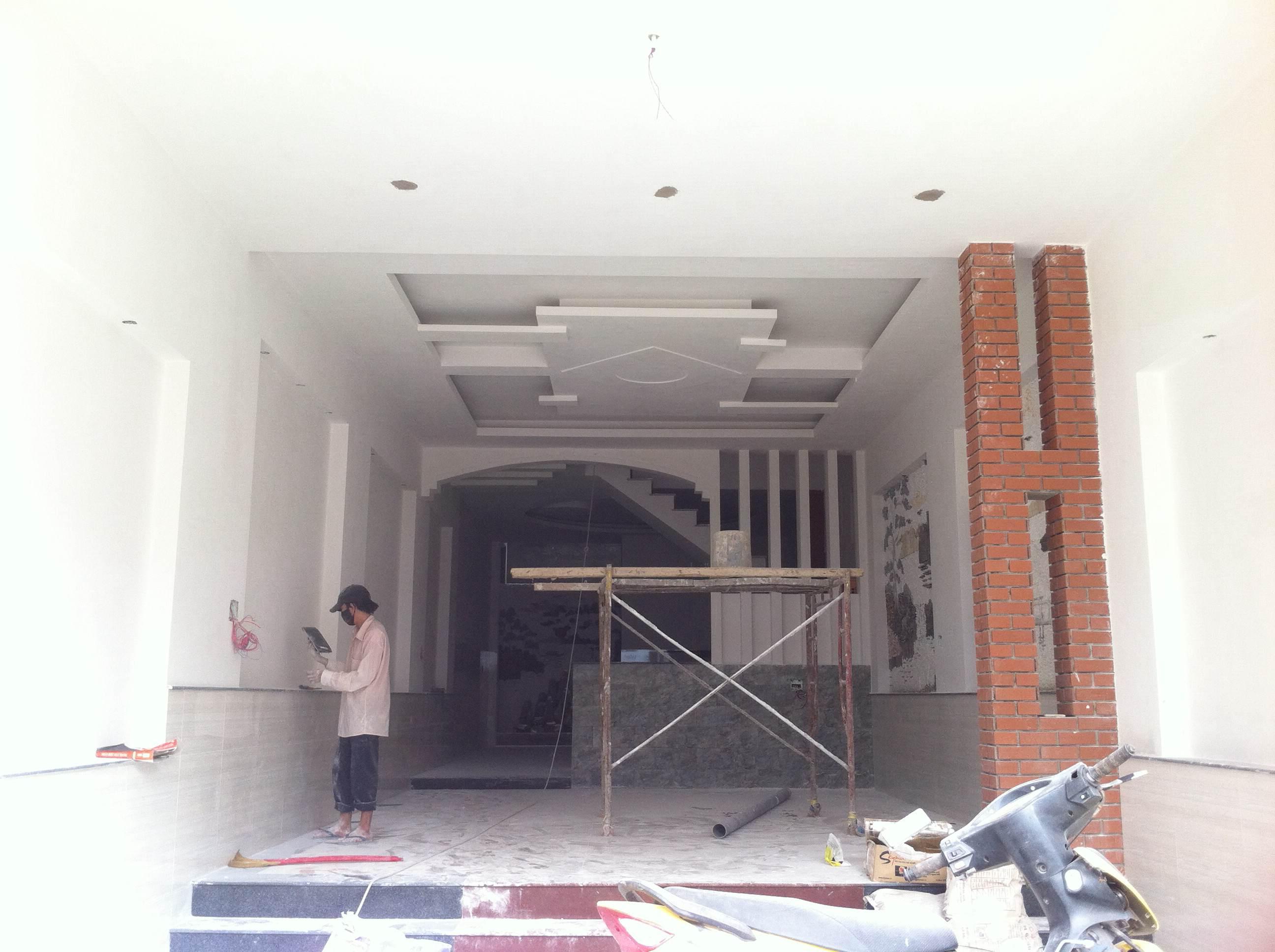 không gian bên trong nhà mặt tiền đường nhựa đẹp tại trung tâm hành chính dĩ an