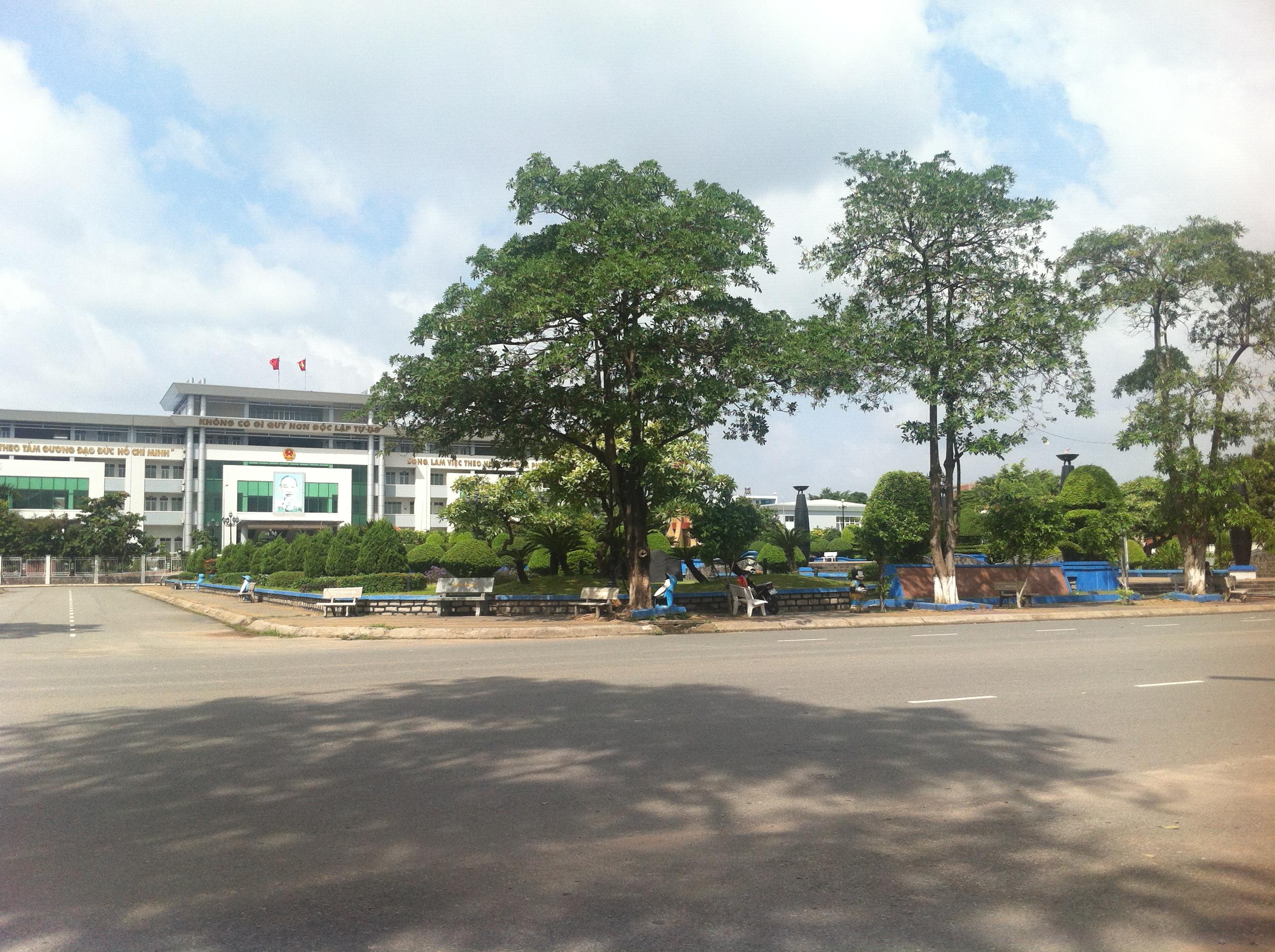 bán nhà 125m2, tại trung tâm hành chính thị xã dĩ an, gần công viên nước dĩ an.