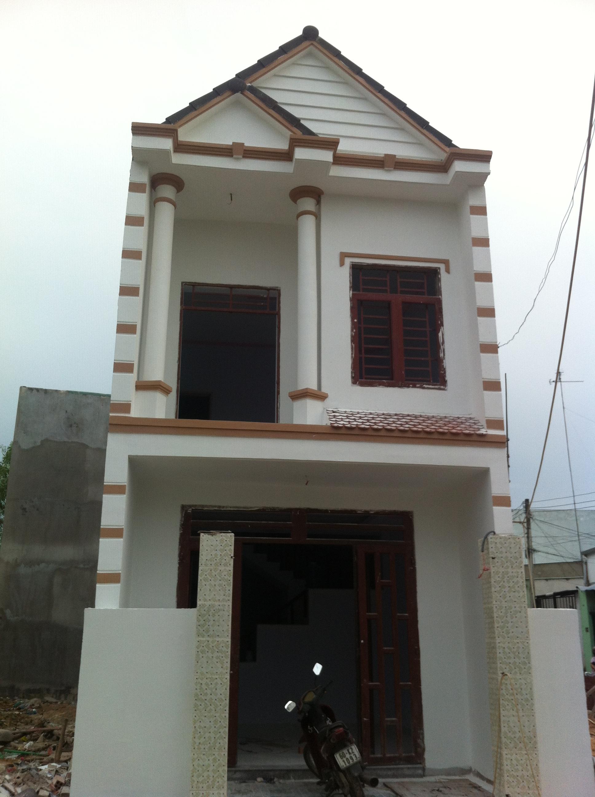 Phía trước nhà ở dĩ an DT 68,4 m2 có sổ hồng riêng