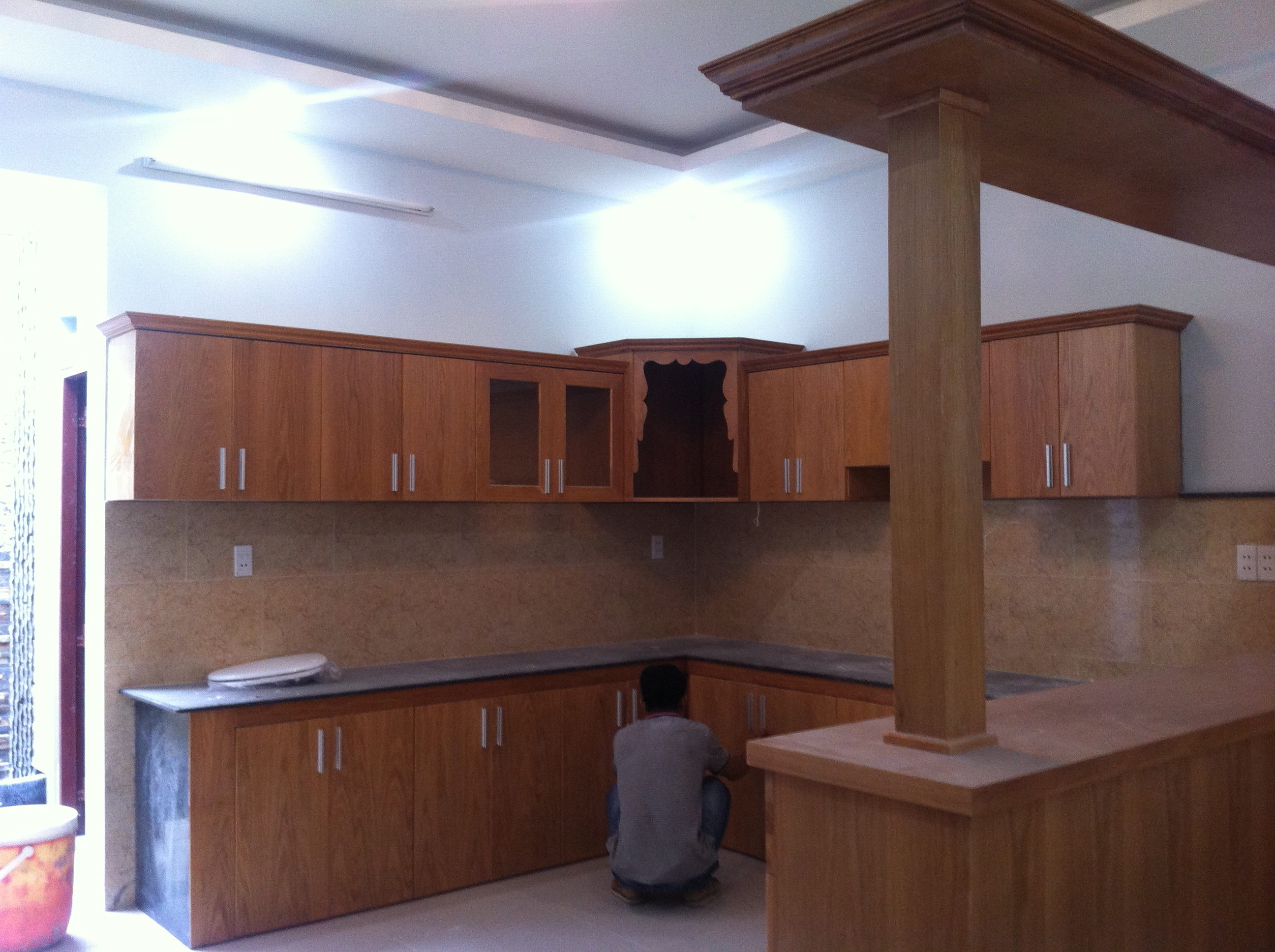 Tủ bếp nhà nằm ngay trung tâm hành chính dĩ an