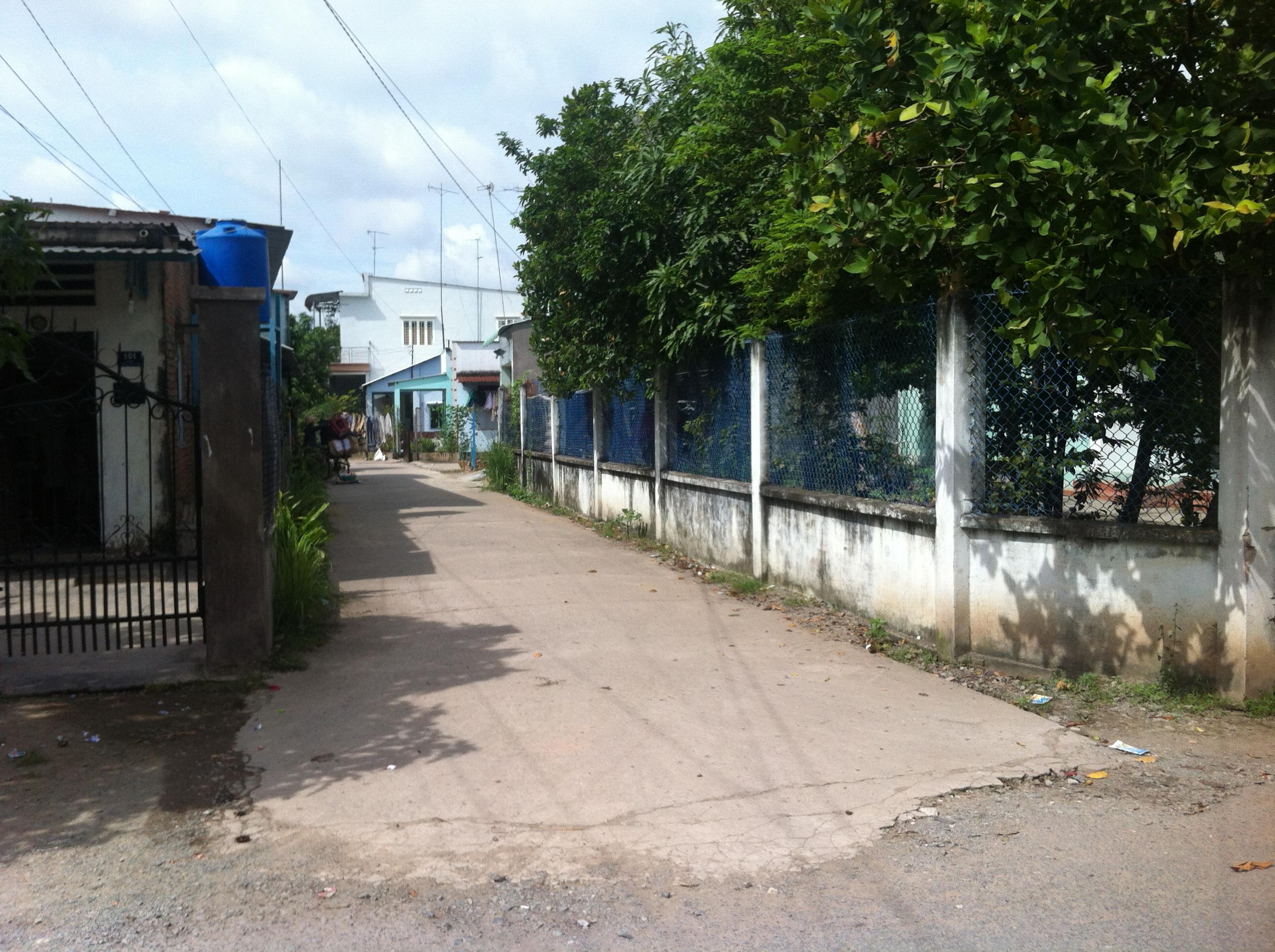 Đường nhà 394m2, gần chợ dĩ an