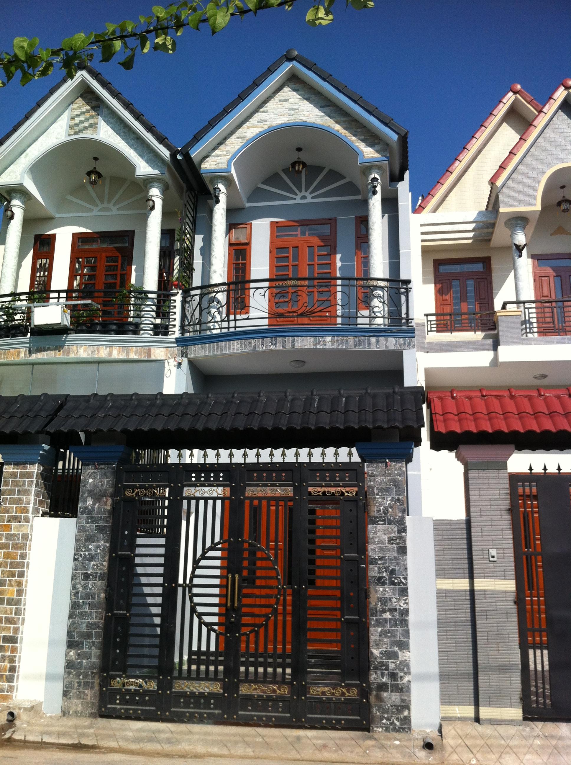 Phía trước căn nhà thiết kế đẹp 2014 ở dĩ an bình dương
