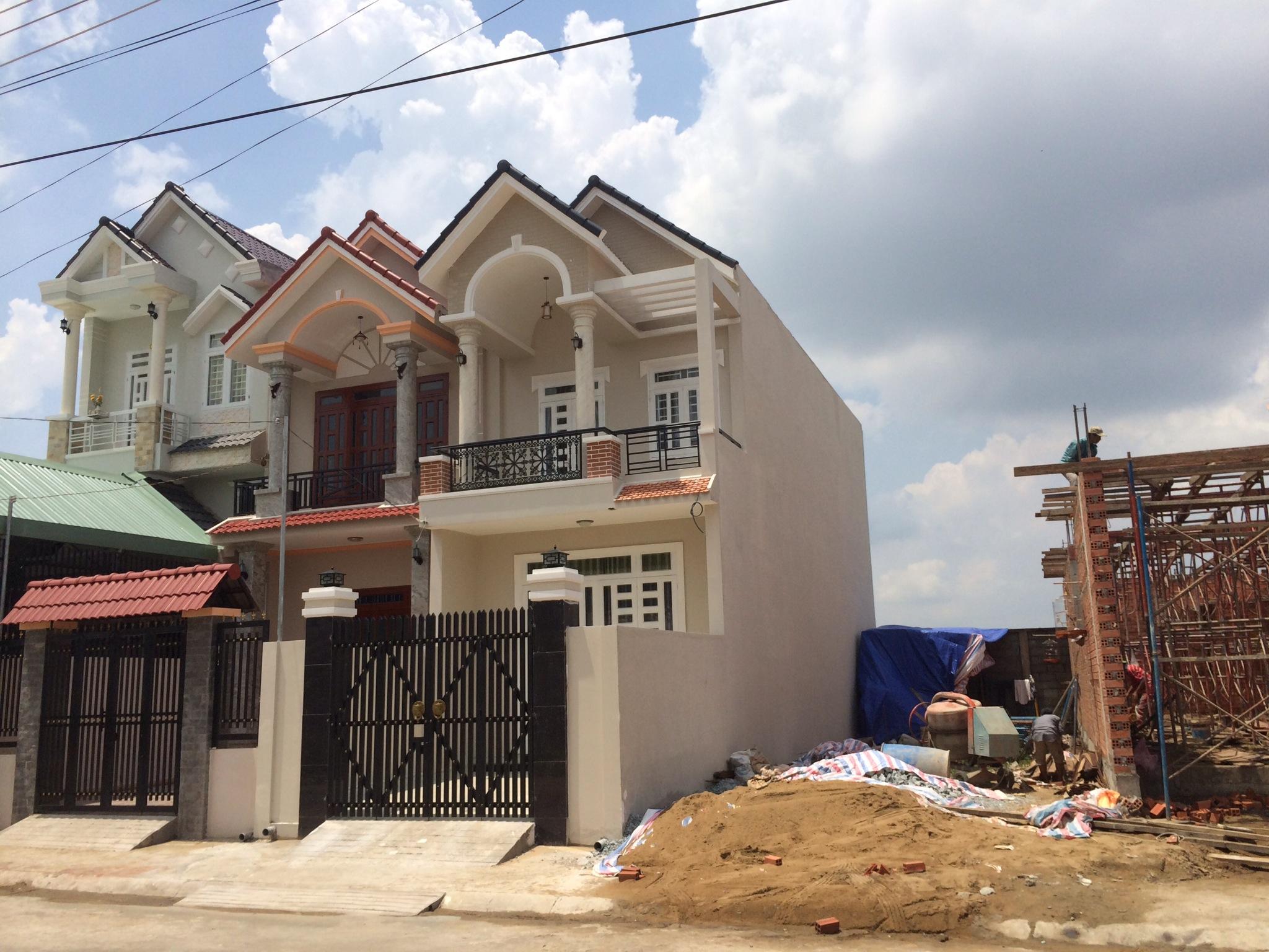 Nhà 1 trệt 1 lầu nhà ở thu nhập trung bình đến cao cấp.JPG