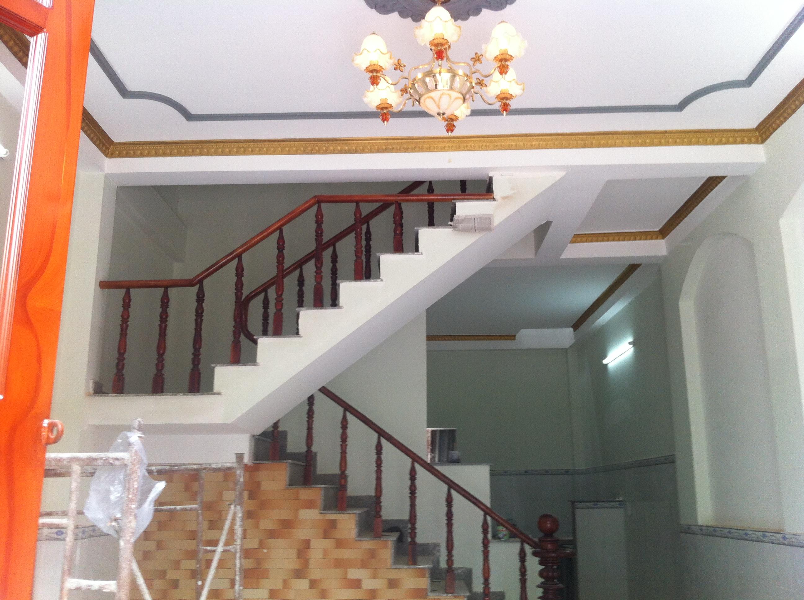 không gian bên trong nhà căn đẹp trong khu dân cư đông đúc