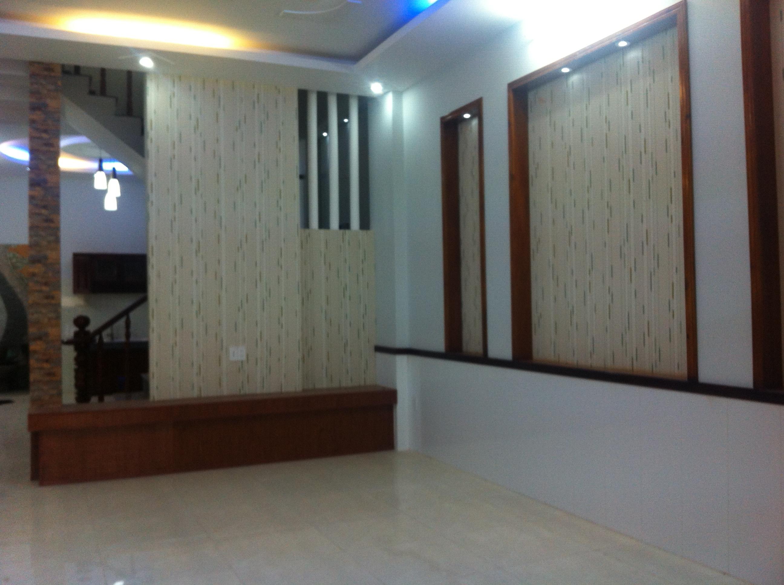 trang trí tường nhà đẹp tại trung tâm hành chính dĩ an, gần thủ đức