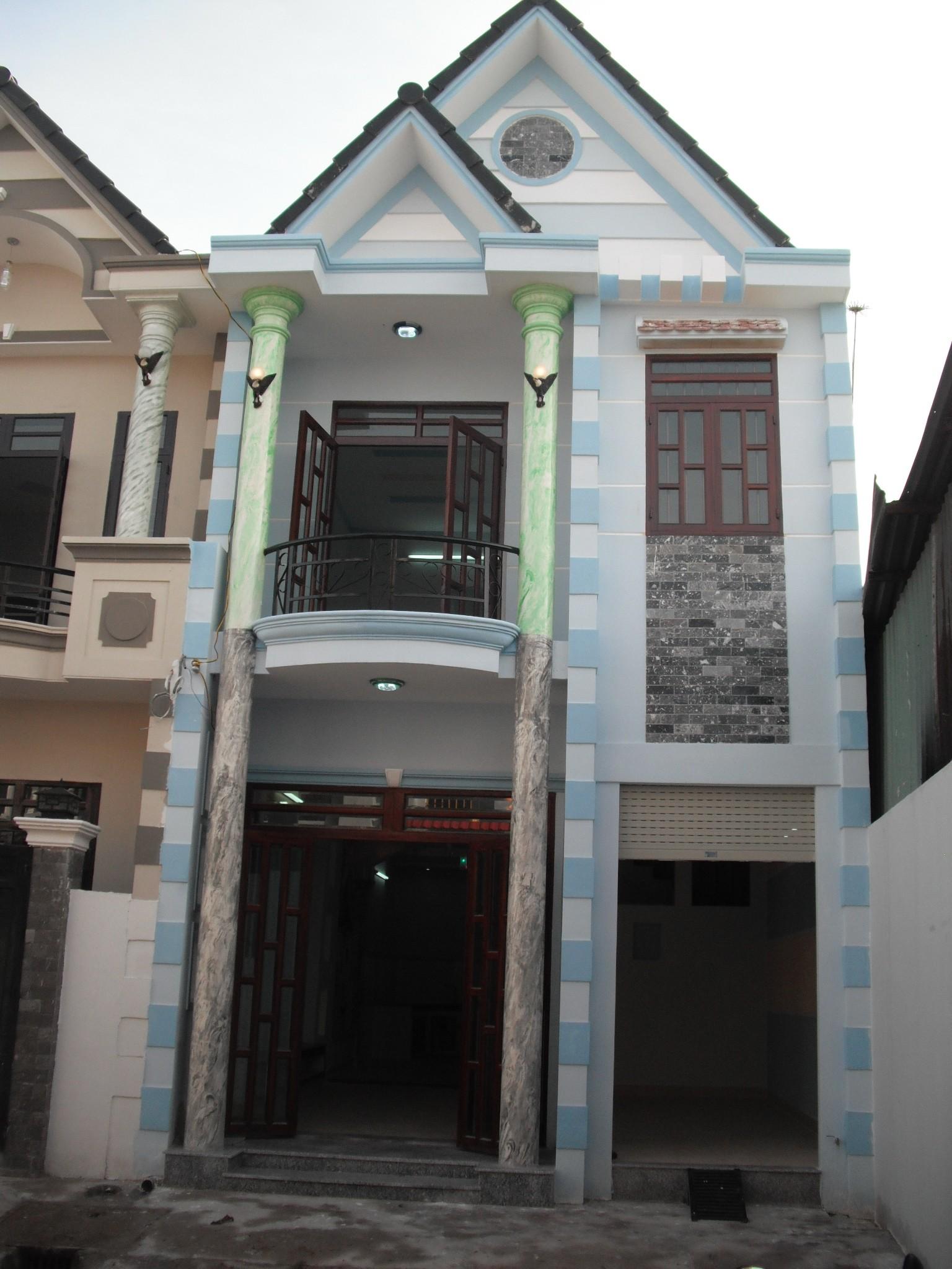 Phía trước căn nhà ở dĩ an mới nhất