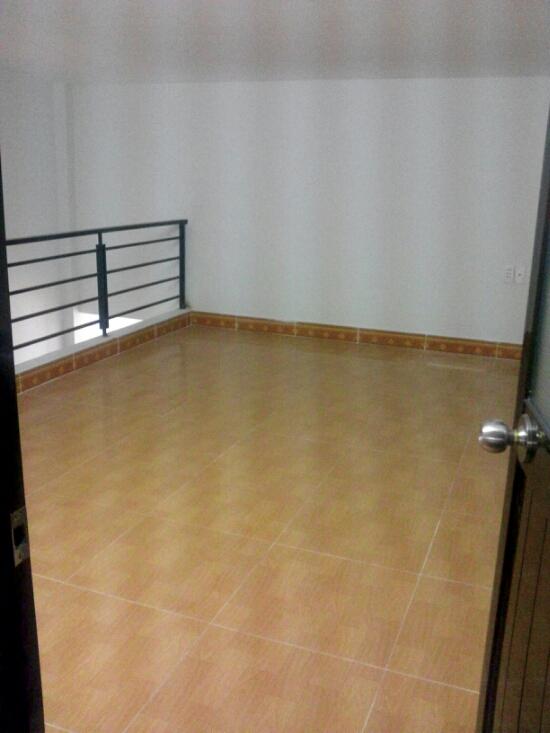 Tầng lửng nhà 92 m2 giá rẻ gần khu công nghiệp Sóng Thần