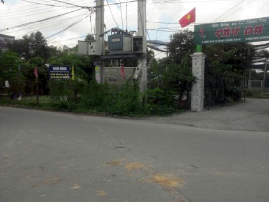đường trước nhà mặt tiền đường nhựa gần đường Lê Hồng Phong