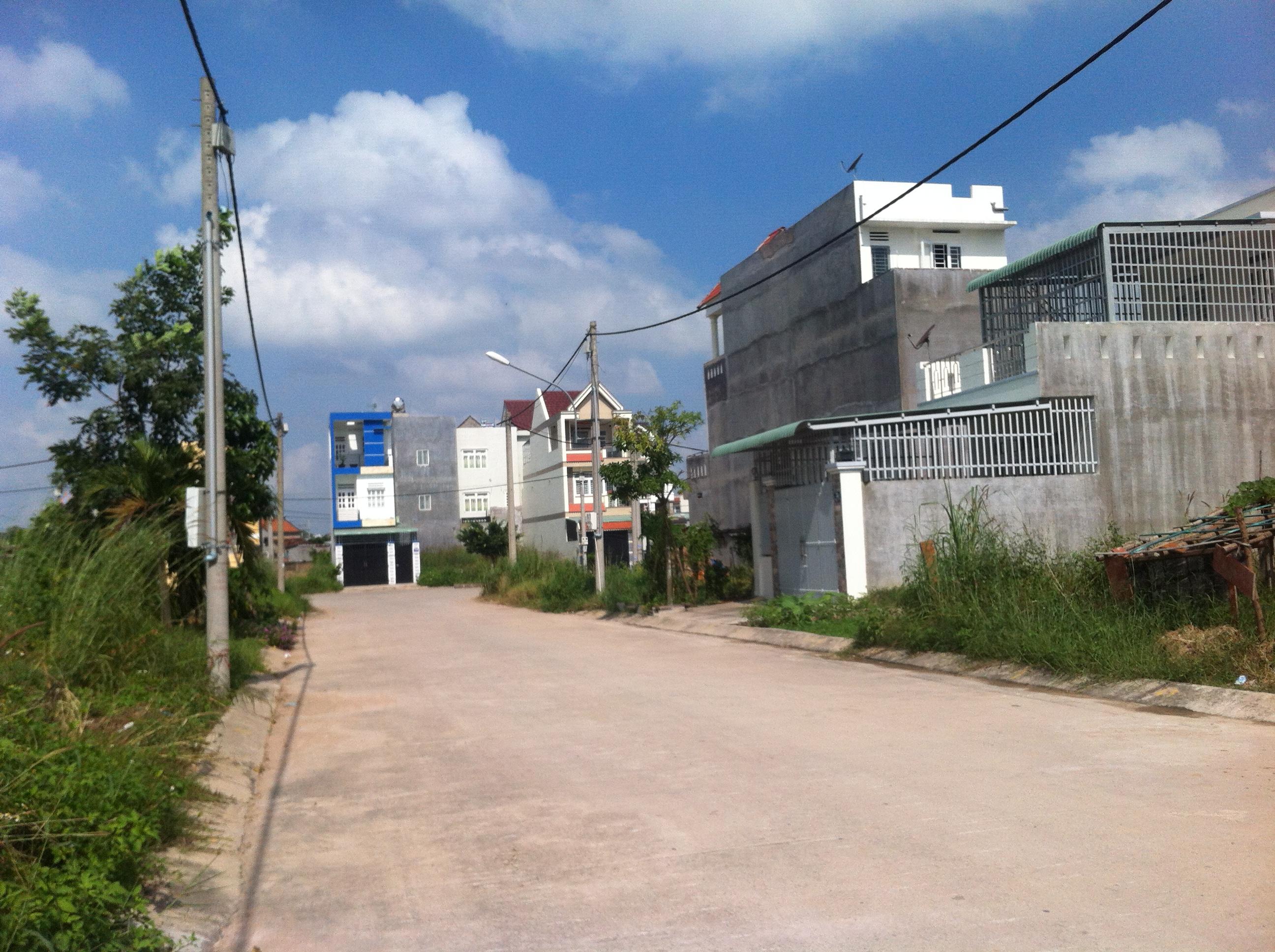 đường phía trước lô đất nền dĩ an giá rẻ ngay trung tâm hành chính
