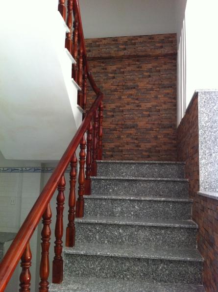 cầu thang nhà dĩ an hướng Đông-Bắc, phong thủy tốt