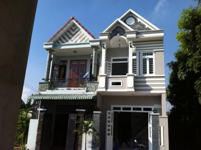tổng quát căn nhà trong khu dân cư đông đúc ở dĩ an