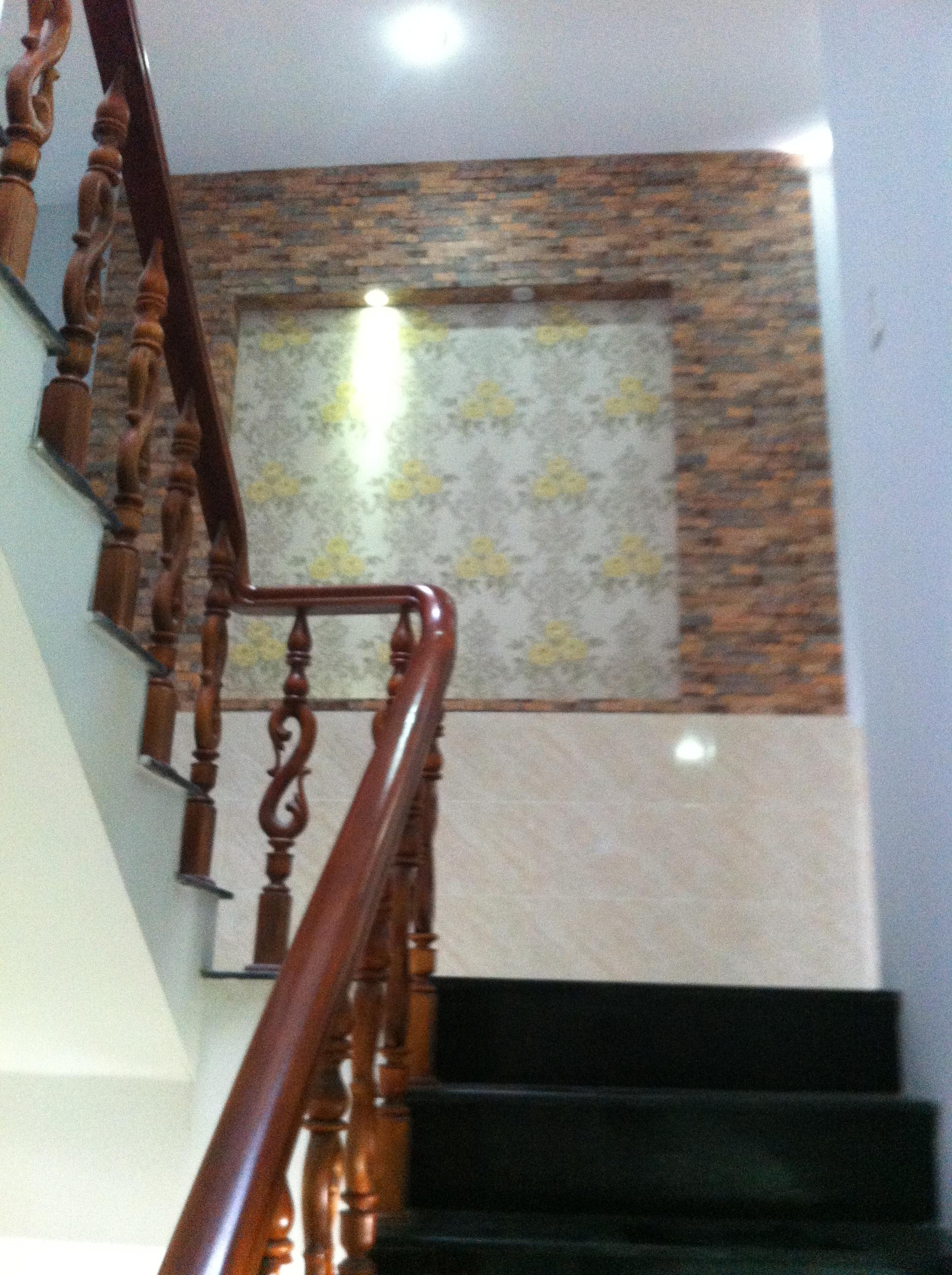tầng lầu nhà mới đẹp ngay trung tâm hành chính dĩ an cần bán