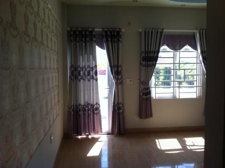 Phòng ngủ nhà mái thái cao cấp ngay trung tâm hành chính dĩ an