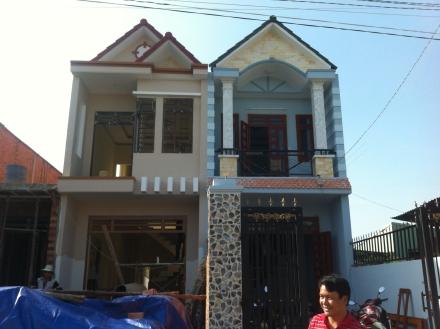 Tổng quát căn nhà ngay mặt đường trần hưng đạo dĩ an