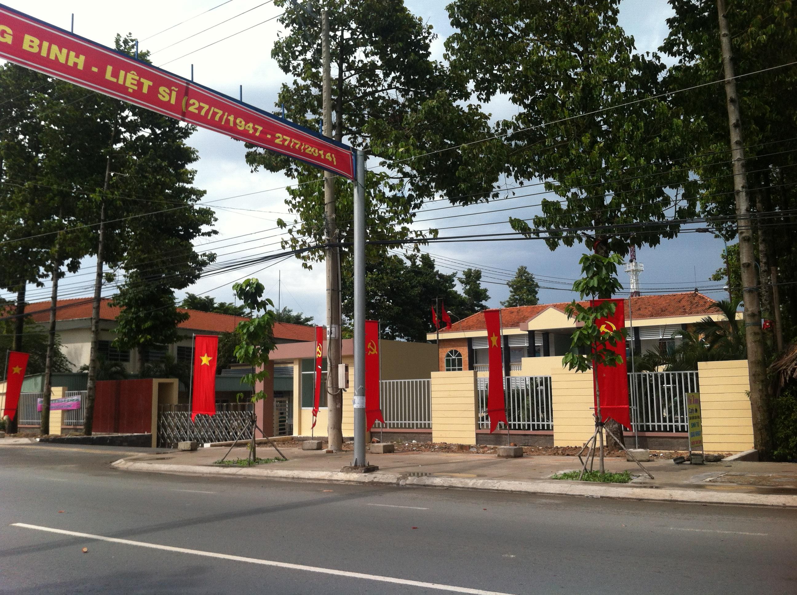 đường trước Nhà dt 80m2 gần UBND Phường Tân Đông Hiệp cần bán