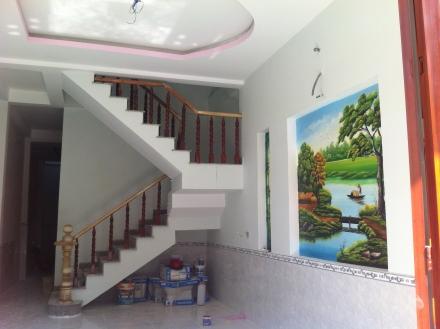 tường trong căn nhà dĩ an mới vị trí đẹp hướng đông bắc