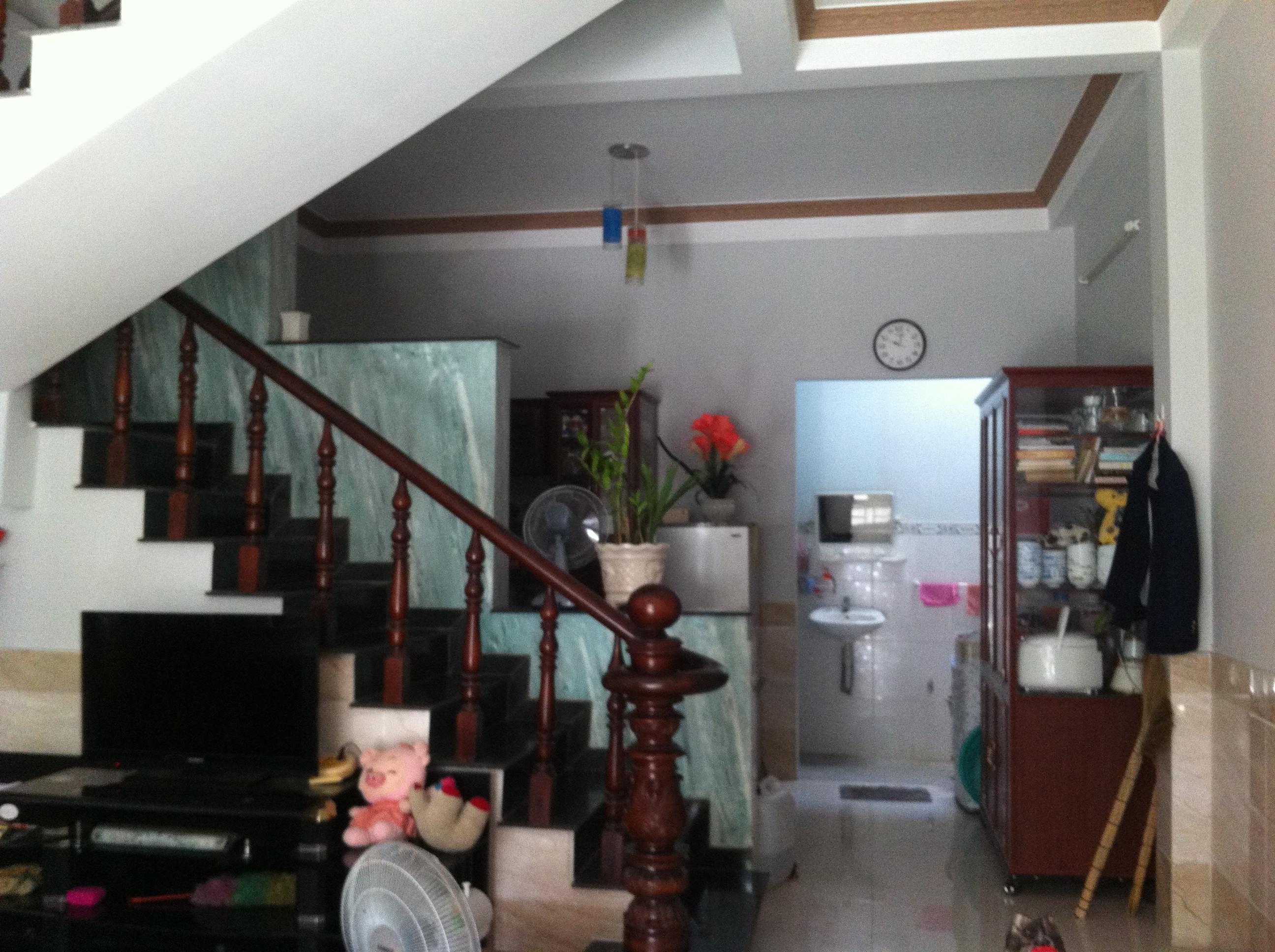 sau Nhà Trong Khu Dân Cư Đông Giá 880tr