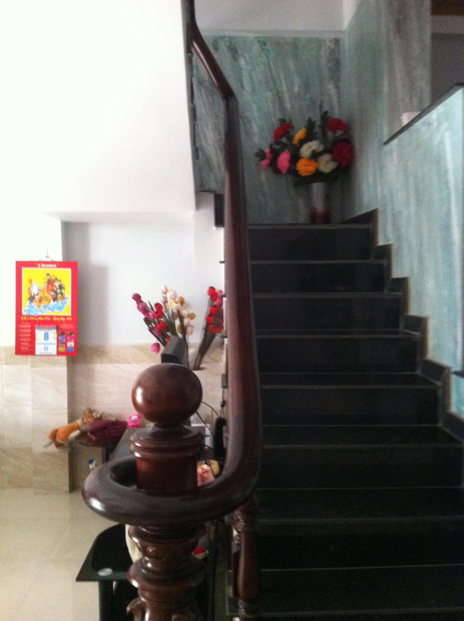cầu thang Nhà Trong Khu Dân Cư Đông Giá 880tr