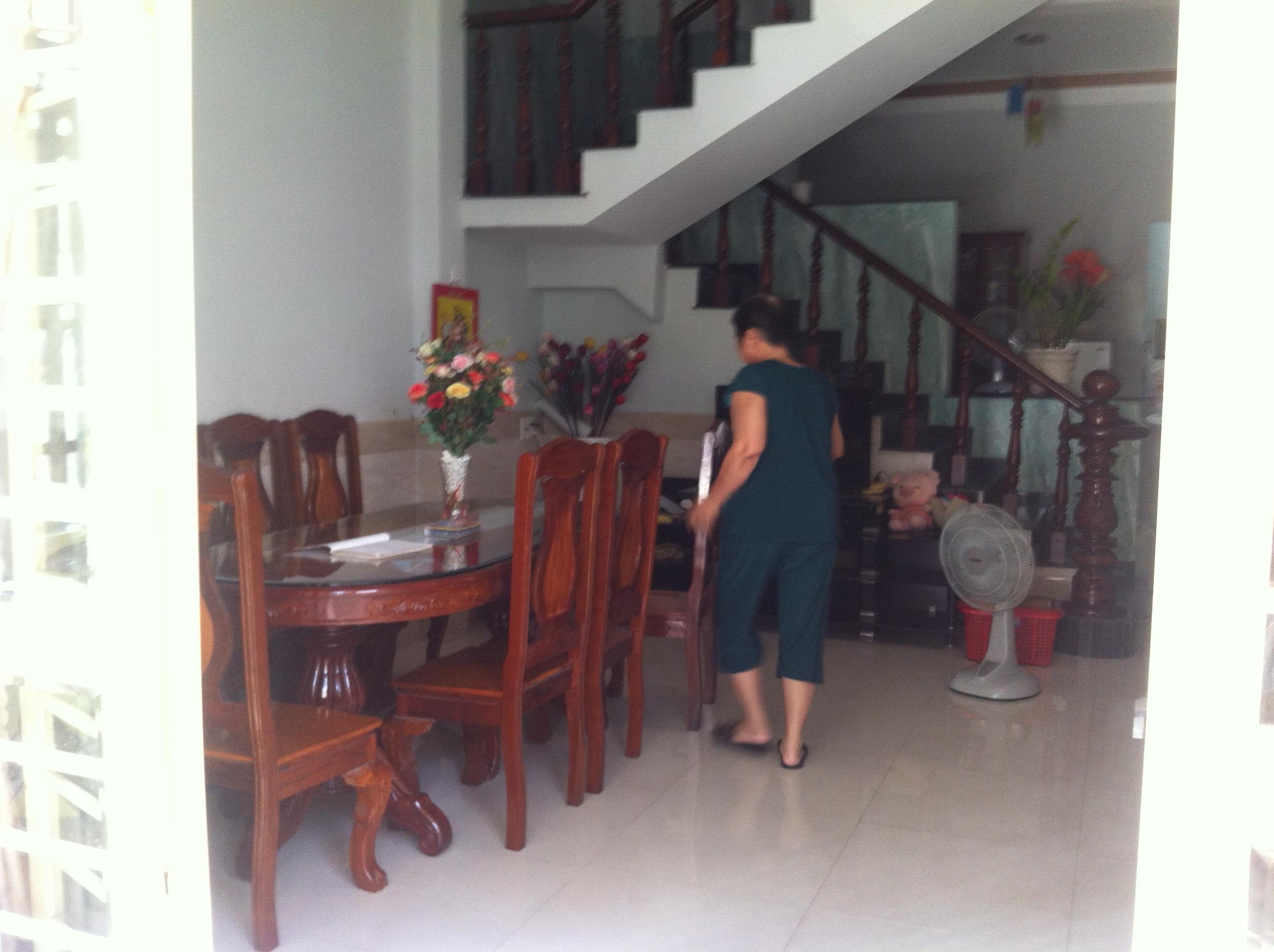 phòng khách Nhà Trong Khu Dân Cư Đông Giá 880tr