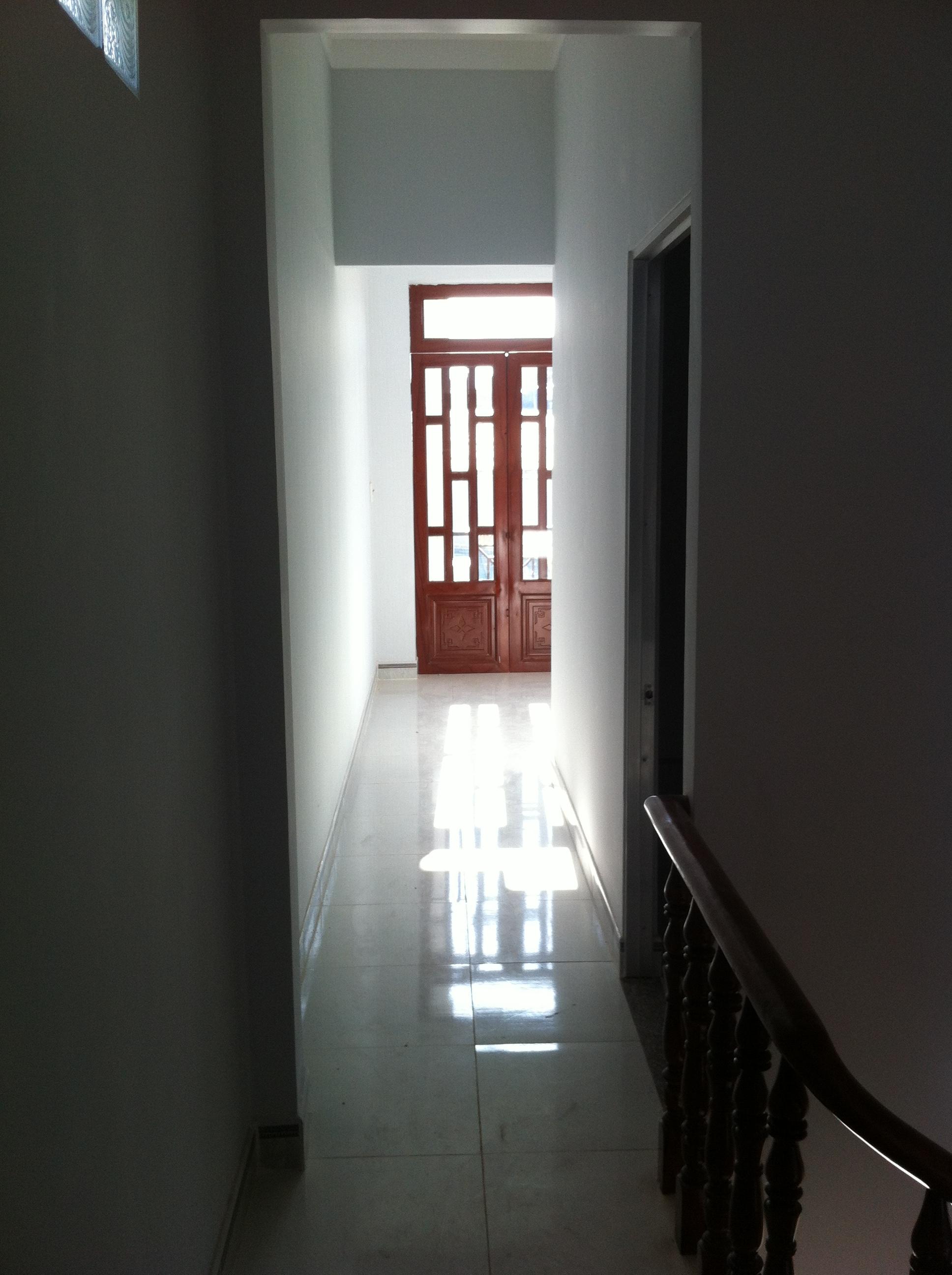 lầu 1 nhà mới dĩ an dt 60m2