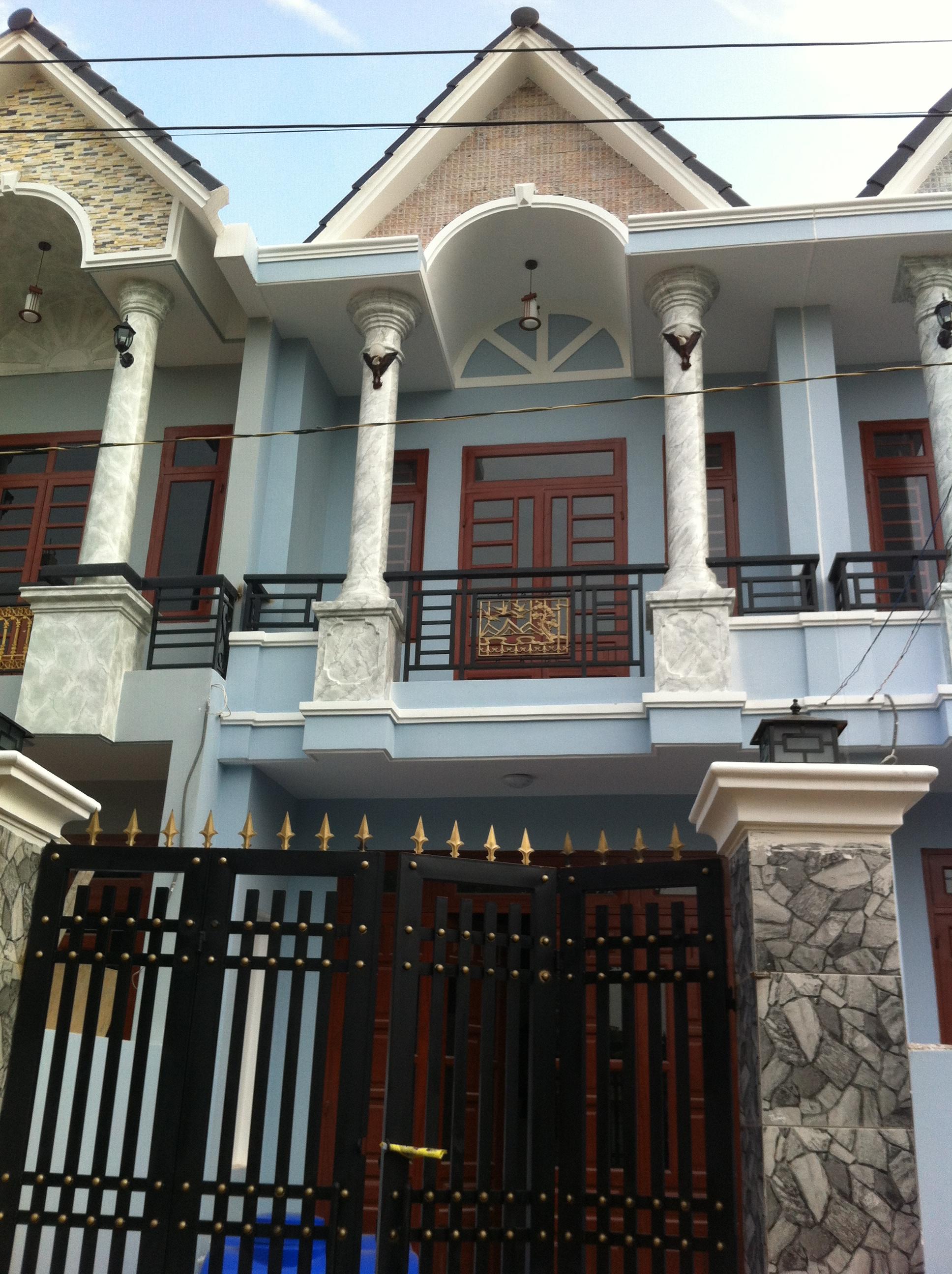 Phía trướcNhà dt 80m2 gần UBND Phường Tân Đông Hiệp cần bán