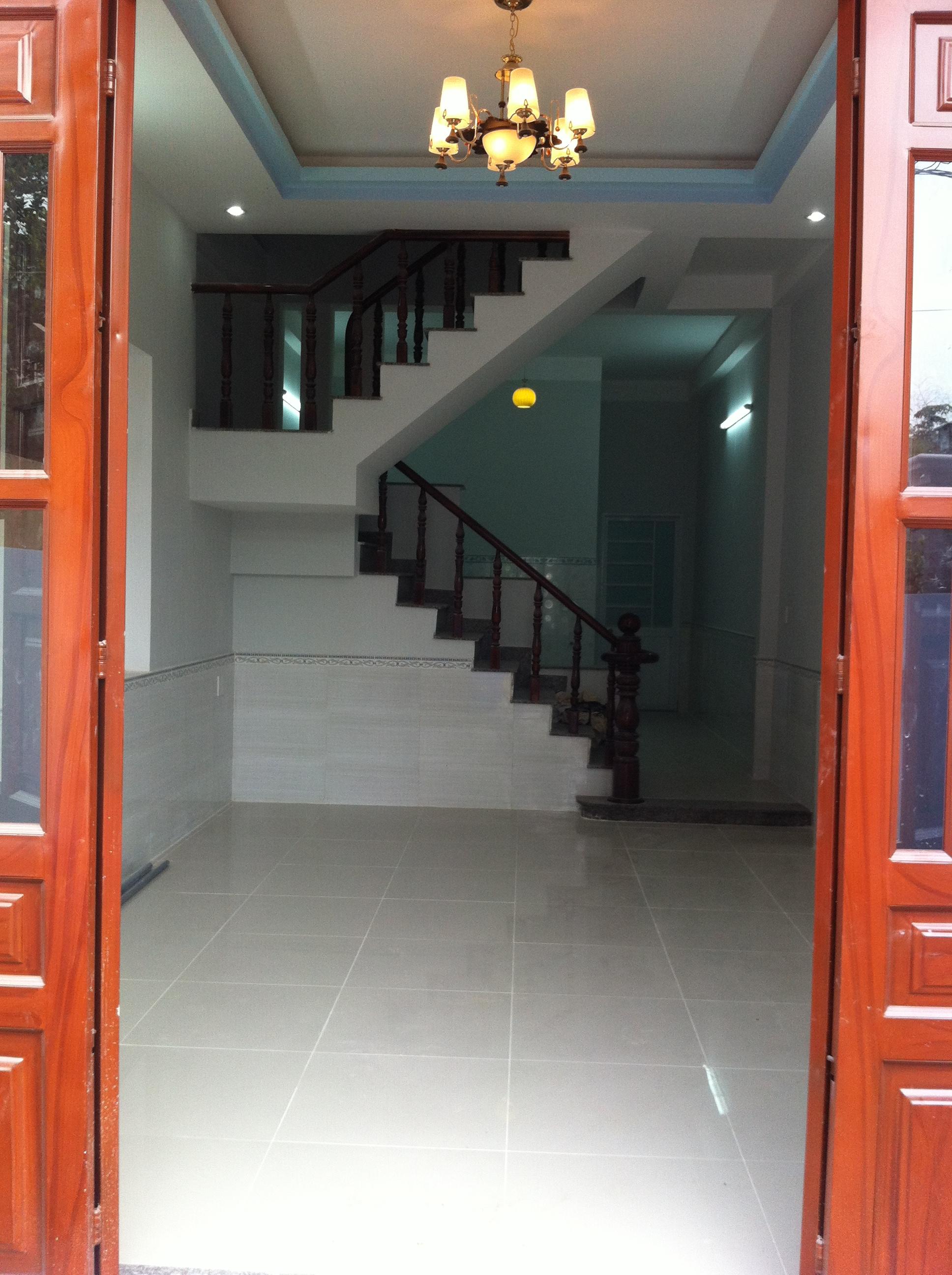 trong Nhà dt 80m2 gần UBND Phường Tân Đông Hiệp cần bán