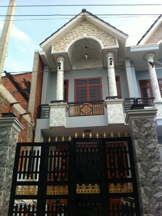 Phía trước nhà 1 lầu 1 trệt mẫu nhà mới giá 850 triệu ở dĩ an