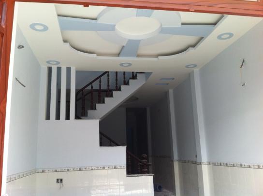 trần nhà mới dĩ an với dt 4 x 18,5=74m2