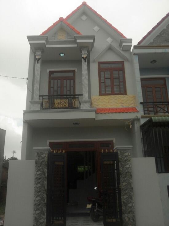 Phía trước nhà đẹp Dĩ An thiết kế hiện đại