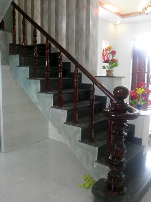 cầu thang nhà đẹp Dĩ An thiết kế hiện đại