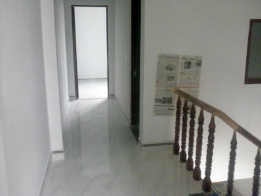 lầu 1 Nhà phố đẹp giá rẻ gần chợ Tân Long