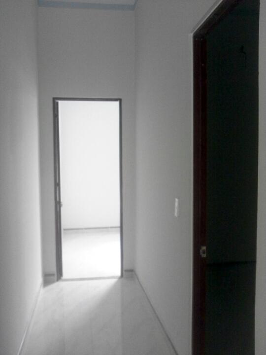 không gian lầu 1 Nhà phố đẹp giá rẻ gần chợ Tân Long