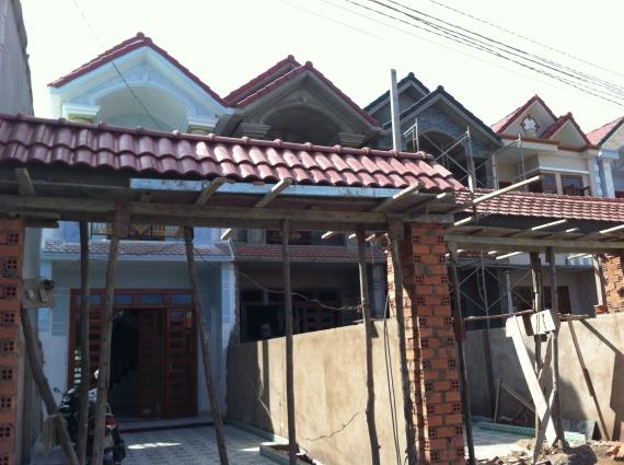 nhà mới gần ngay mặt đường trần hưng đạo thị xã dĩ an