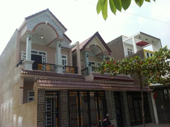 tổng quát căn nhà mới trong khu dân cư đông an ninh tốt ở dĩ an