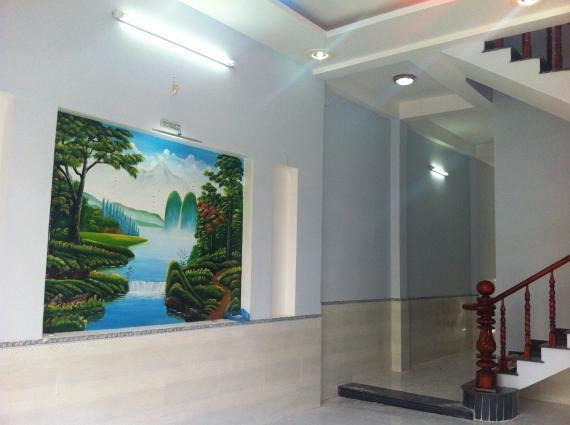 trang trí tường nhà mới trong khu dân cư đông an ninh tốt ở dĩ an