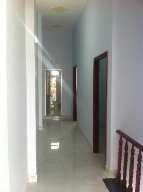 lầu 1 nhà nhà mới trong khu dân cư đông an ninh tốt ở dĩ an