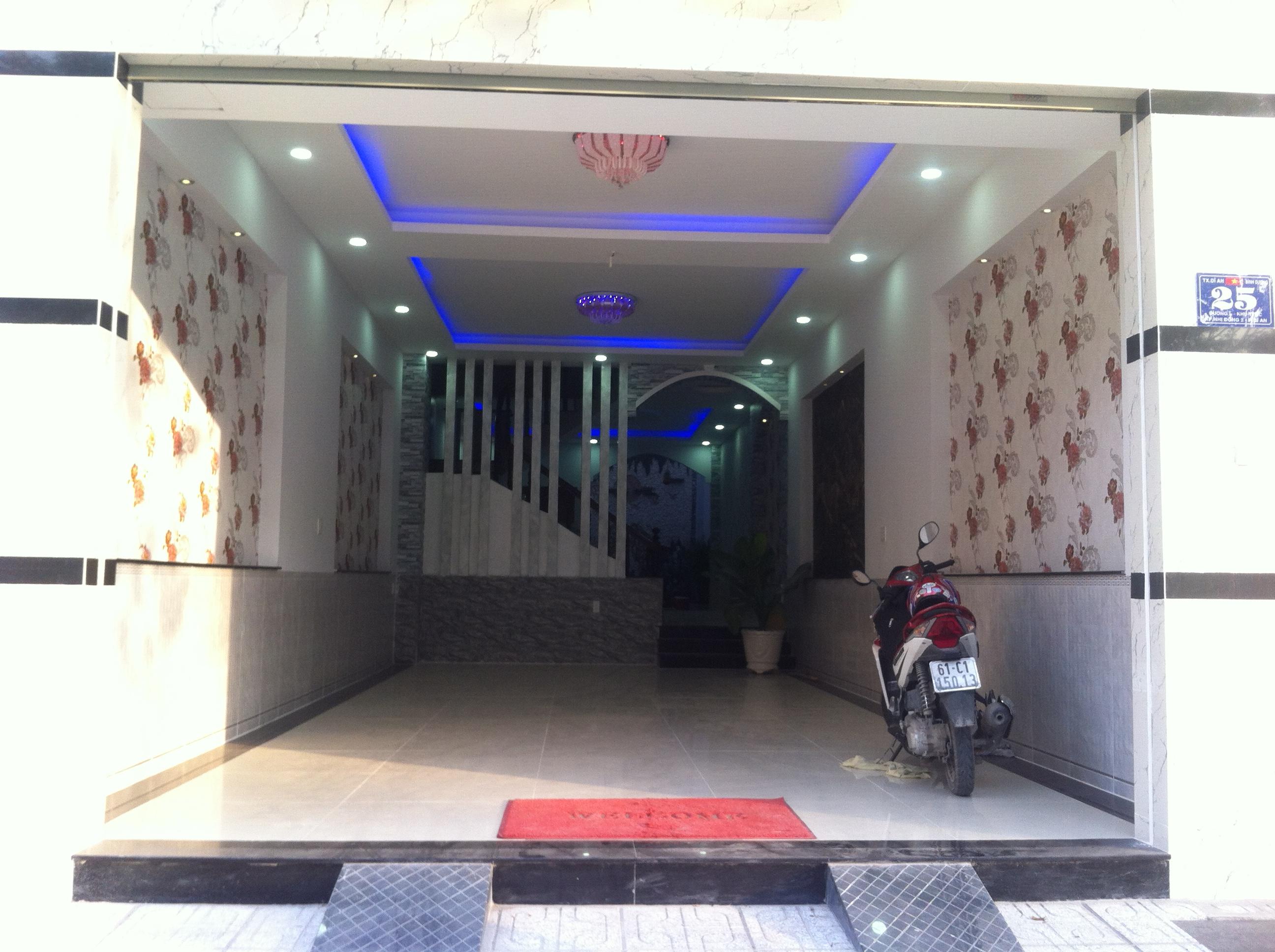 Phòng khách Nhà 3 lầu 1 trệt trong khu trung tâm hành chính cần bán