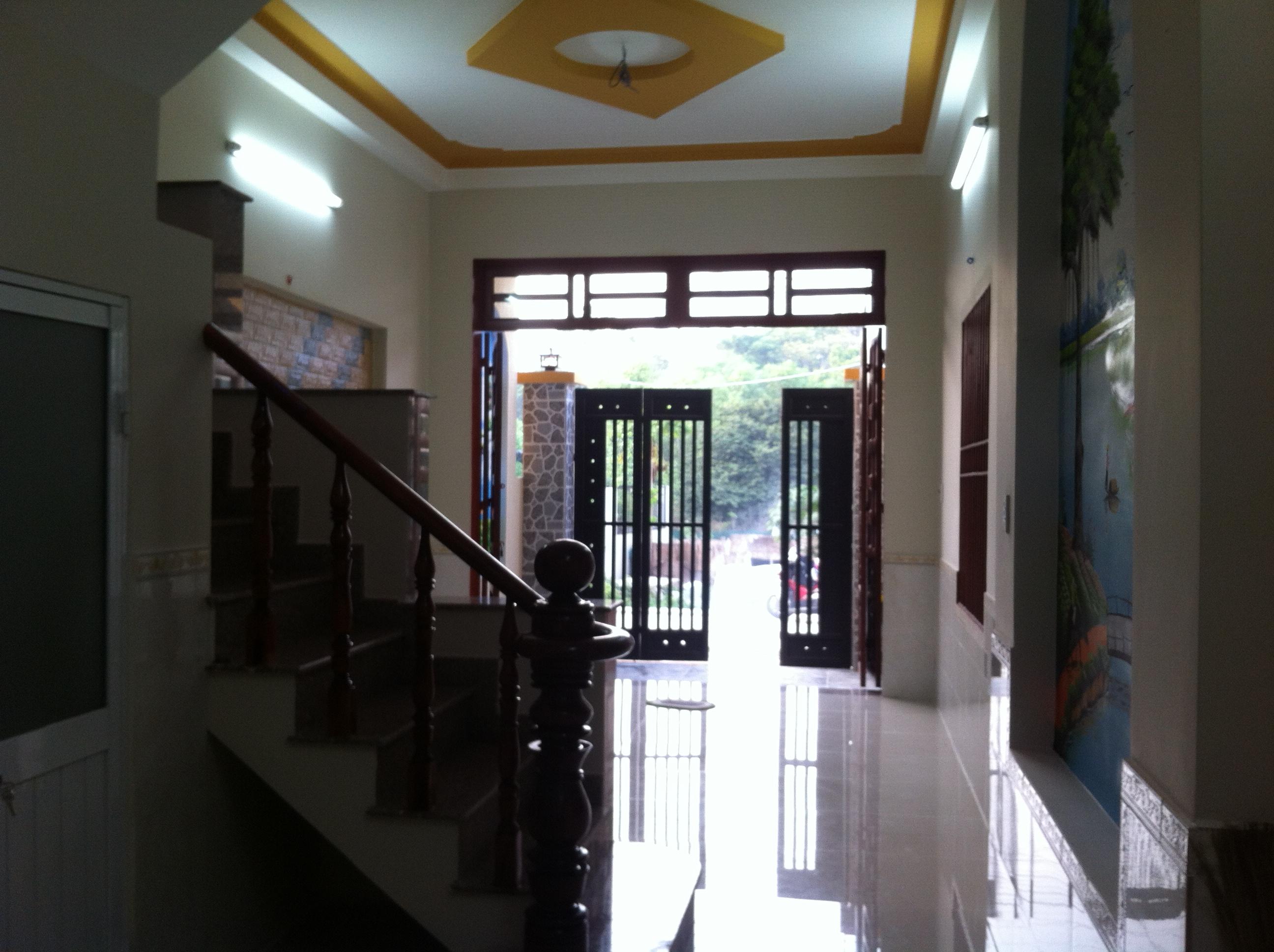 Phòng khách trước nhà trọ gần khu công nghiệp dĩ an cần bán