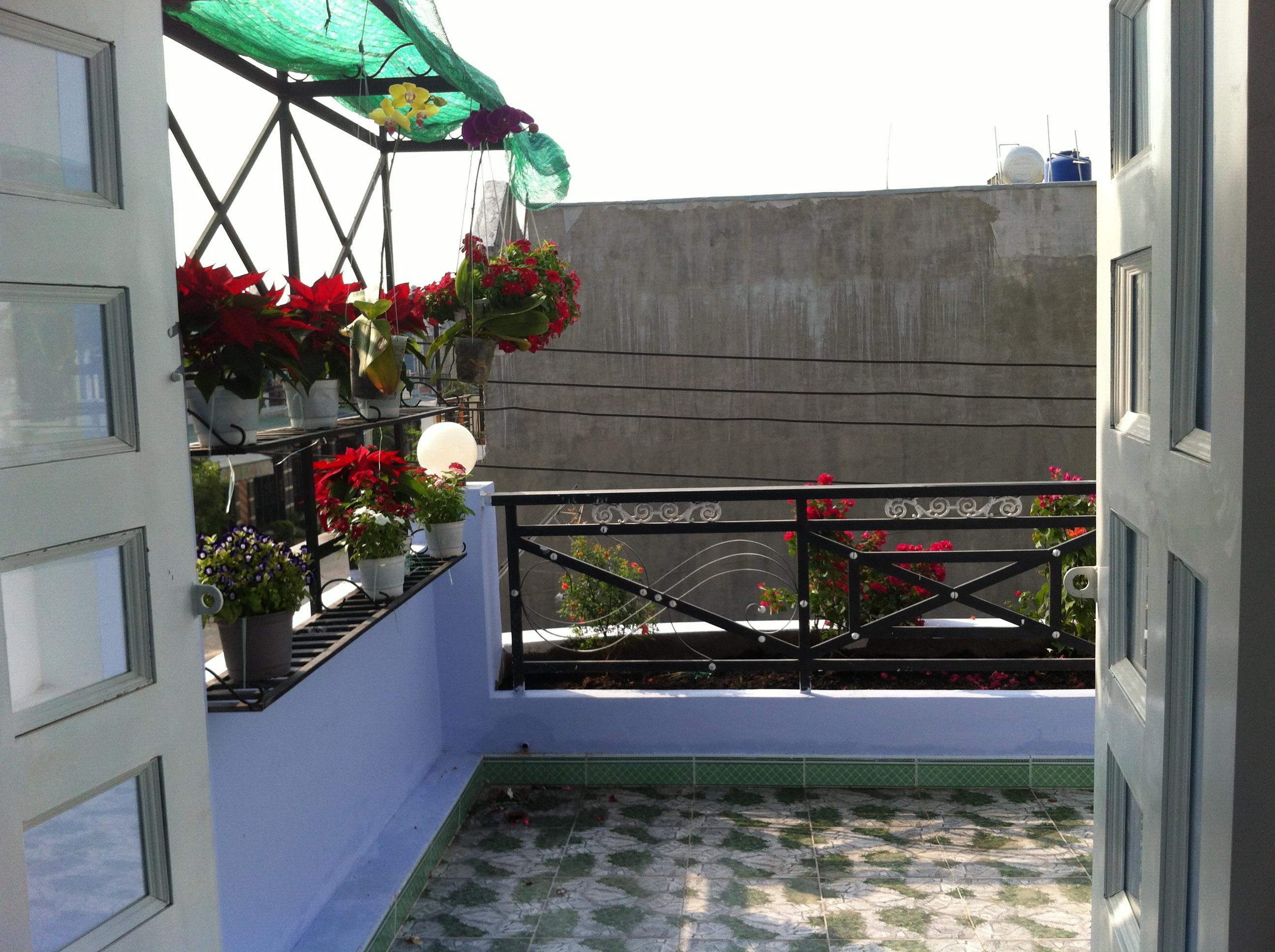sân thượng Nhà cần bán nằm ngay cổng sau KCN Visip , KCN Vietnam singapore. KCN sóng thần 1,2 thị xã dĩ an