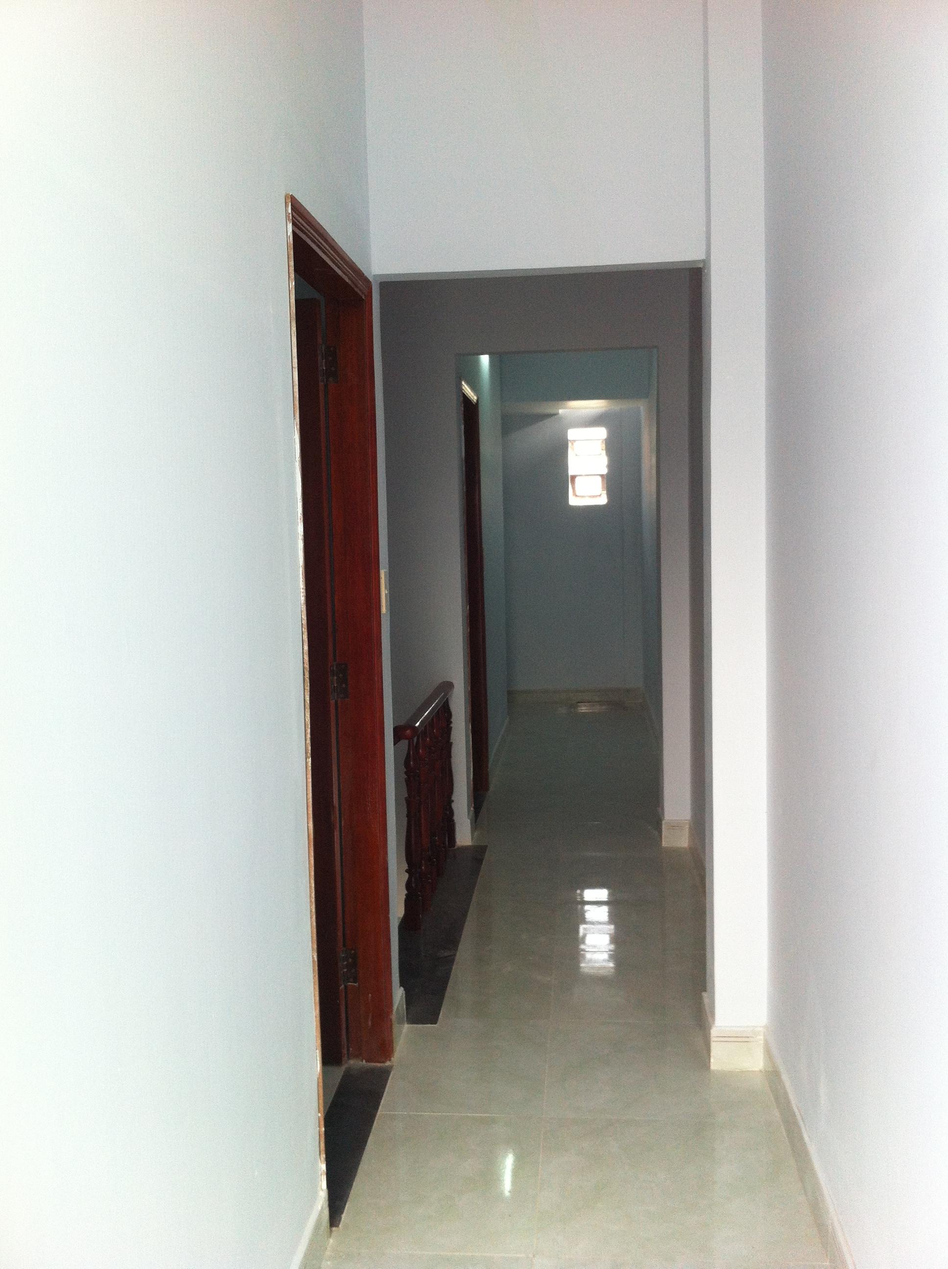 lầu 1 Nhà cần bán nằm ngay cổng sau KCN Visip , KCN Vietnam singapore. KCN sóng thần 1,2 thị xã dĩ an