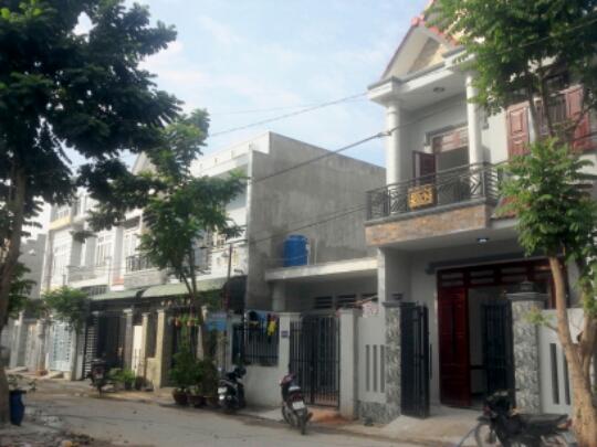 đường trước nhà 65m2 phường Đông Hòa