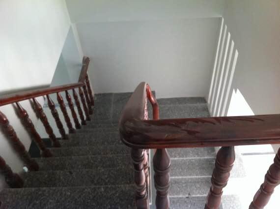 Cầu thang nhà đất dĩ an bình dương chính chủ