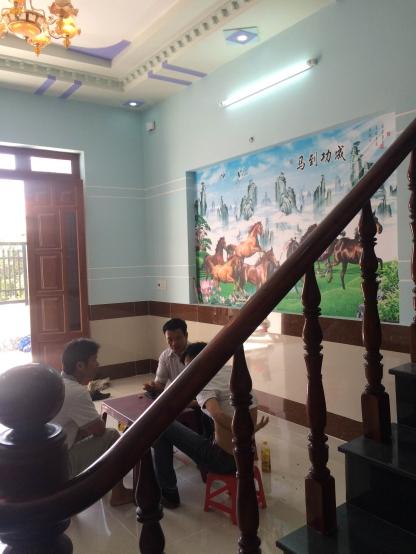 trang trí tường phong thủy đẹp nhà trung tâm hành chính dĩ an