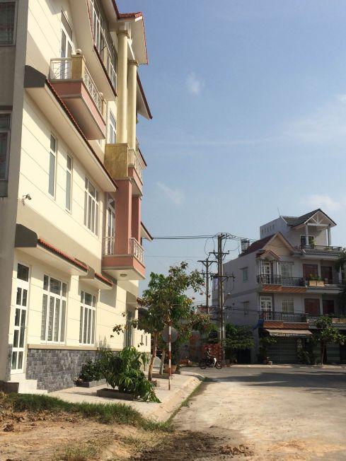 Bán biệt thự bình dương chính chủ nằm trong dãy nhà phố đắt tiền