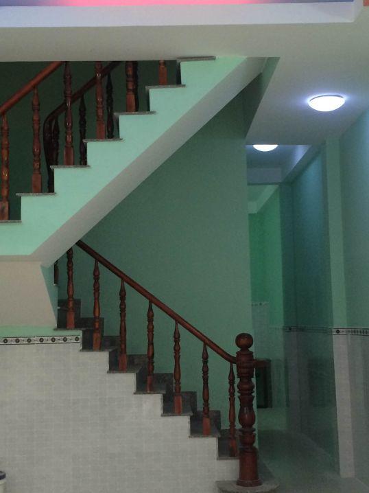 Cầu thang kiên cố
