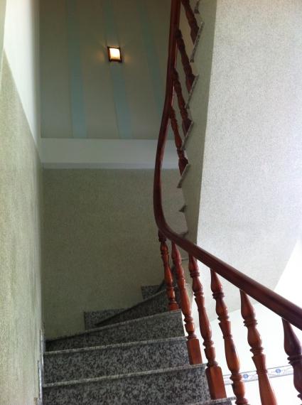 cầu thang nhà ở dĩ an bình dương